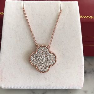 Jewelry - 925 Sterling silver pink gold clover pendant